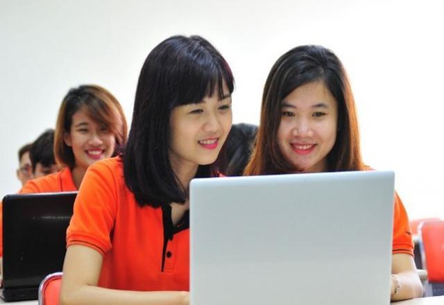 Học tiếng Nhật trực tuyến và truyền thống có ưu, nhược điểm gì?