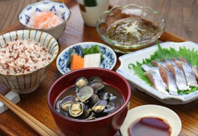 Muốn sống thọ, hãy học 5 nguyên tắc ăn uống của người Nhật
